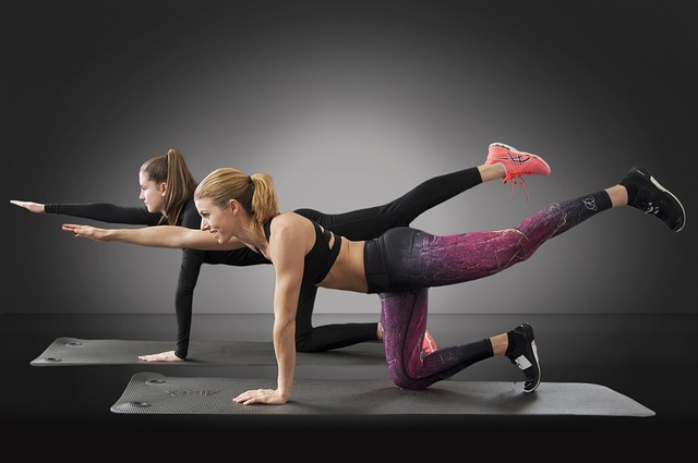 Strój na fitness? Jak ubrać się na siłownię i fitness