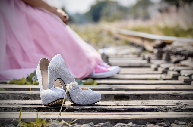 Jakie buty do jakiej sukienki? Jak dopasować buty do sukienki?